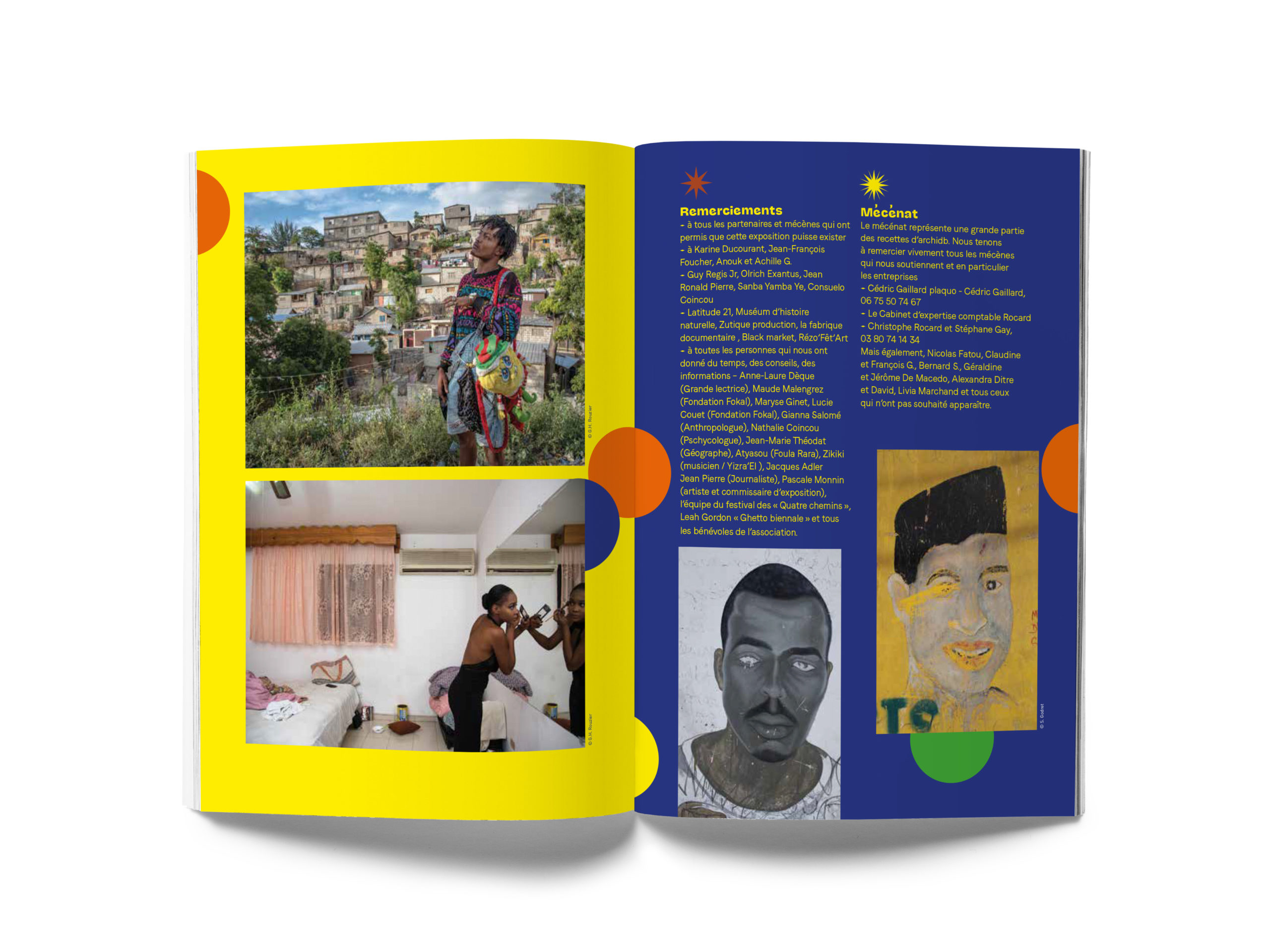 A5 Magazine MockUp4